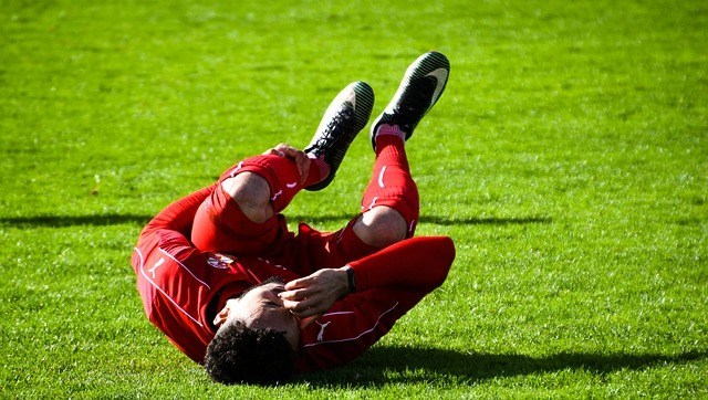 soccer-knee-injury
